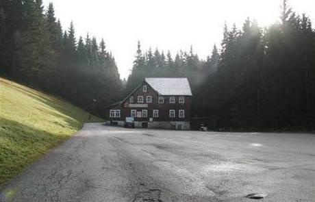 Restaurace Lesní zátiší leží na Krakonošově stezce.