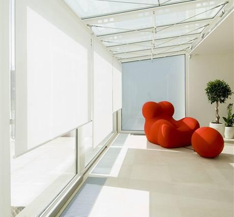 Minimum rámů u konstrukce zimní zahrady otvírá dům příjemně do zahrady