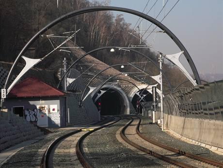 Nové spojení Praha Hlavní nádraží, Masarykovo nádraží – Libeň, Vysočany, Holešovice