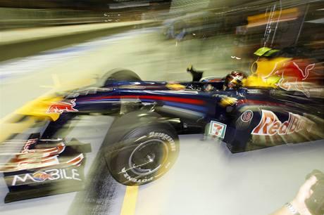 Sebastian Vettel ve voze Red Bull