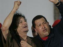 Libyjský vůdce Muammar Kaddáfí a venezuelský prezident Hugo Chávez (28. září 2009)