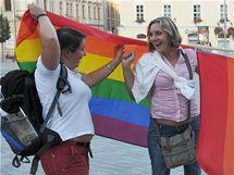 Happening s názvem Pusa pro papeže na brněnském náměstí Svobody.