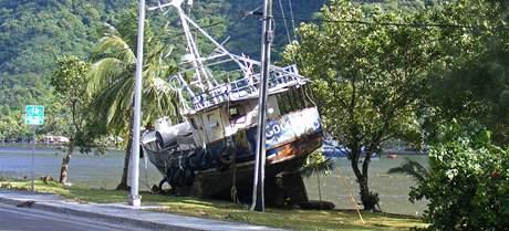 Následky tsunami na souostroví Samoa v Pacifiku (30. září 2009).