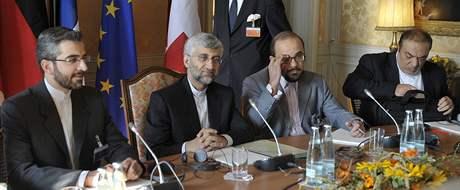 Íránská delegace na jednání o jaderných otázkách v Ženevě (1. října 2009)