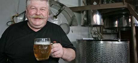 Pivovar Kvasar Sentice, na snímku sládek a majitel Jiří Jelínek