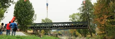 Stěhování mostu přes řeku SVitavu v Blansku