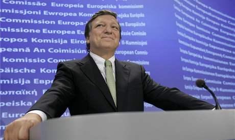 José Barroso se raduje nad výsledkem druhého irského referenda (3. října 209)