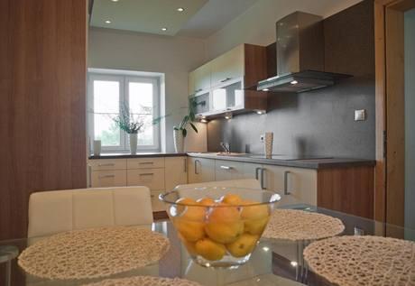Kuchyně včetně jídelny má kolem 12 metrů čtverečních