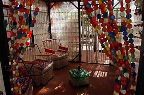 Argentinský umělec postavil dům z PET lahví