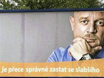 Billboard s Petrem Čtvrtníčkem na dálnici D1.