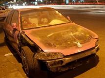 """Trabantem Afrikou. Káhira. Egypťané milují tunning, nebo alespoň """"akční"""" samolepky na autech, ovšem co nejezdí, to neopravují"""