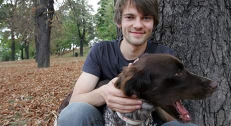 Účastník Česko-slovenské Superstar Lukáš Michna z Klentnice se svým pse Rozou