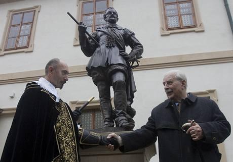 Slavnostní odhalení sochy Albrechta z Valdštejna. (16. října 2009)