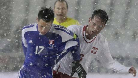 Polsko - Slovensko: Guereirro a Marek Hamšík (vlevo)