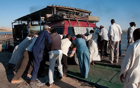 Plavba po divokém Nilu - z egyptského Asuánu do Wadi Halfy v Súdánu. Vyloďování