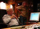 Pavel Bobek natáčí nové album v Nashvillu (v pozadí Robert Křesťan)