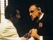 Al Martino a Marlon Brando ve filmu Kmotr