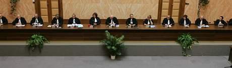 Jednání Ústavního soudu o Lisabonské smlouvě (27. 10. 2009)