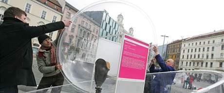 Dům umění vystavil na náměstí Svobody v Brně expozici dánského designu