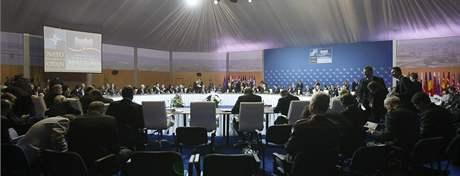 Setkání ministrů zahraničí zemí NATO v Bratislavě. (23. října 2009)