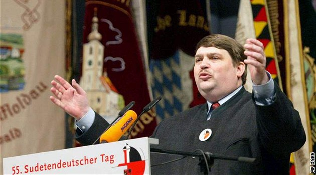 Europoslanec za bavorskou CSU Bernd Posselt také v rozhovoru tvrdí, �e Klaus�v po�adavek paradoxn� sudetským N�mc�m pomohl.