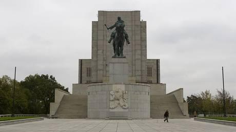 Národní památník na Vítkově se po rekonstrukci otevírá veřejnosti. (23. 10. 2009)