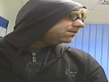 Lupič, který 14:10. 2009 přepadl banku v Jablonném nad Orlicí
