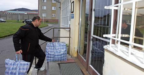 Bývalý policista Martin Barkóci nastupuje do vězení