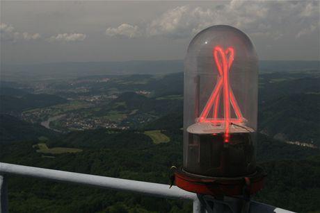 Buková hora - obrysový maják a výhled na Ústí nad Labem