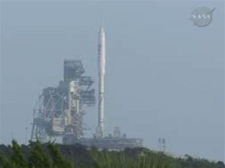 ARES - raketa připravena ke startu