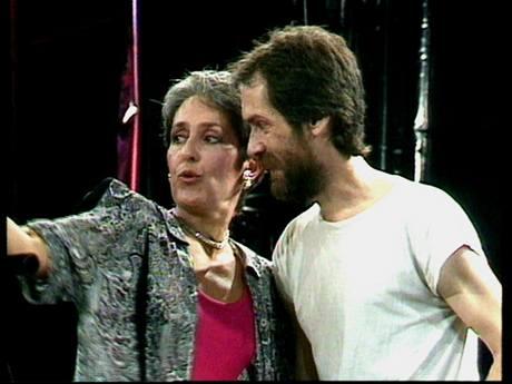 Joan Baez a Ivan Hoffman na Bratislavské lyře 1989 (z výstavy Devětaosmdesátej)