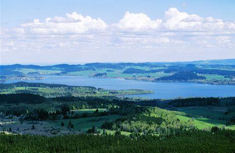 Šumava. Výhled ze Sulzbergu - vyhlídka Moldaublick
