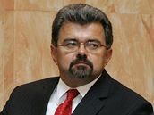 Kancléř Hradu Jiří Weigl a šéf Senátu Přemysl Sobotka při jednání Ústavního soudu (27. 10. 2009)