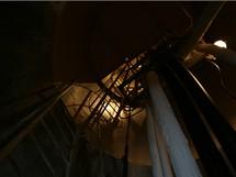 Buková hora - pohled do tubusu o průměru 3,6 metru, kudy vedou koaxiální kabely k anténám televizního a rozhlasového vysílání