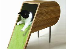 Kotec pro kočku, který má ambice stát se plnohodnotným solitérem moderního interiéru