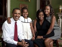 Oficiální portrét rodiny Obamových.