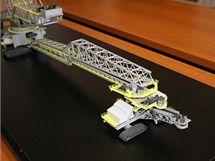 Zadní část se spojovacím mostem u modelu rýpadla KK1300