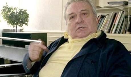 Herec Josef Karlík (na archivním snímku ze 17. března 1998) zemřel 30. října.