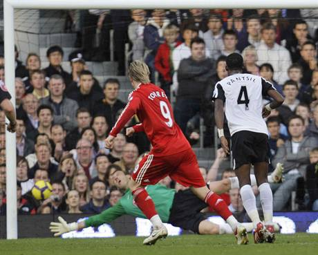 Fernando Torres z Liverpoolu a Pantsil z Fulhamu