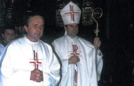 Karel Satoria (vlevo) se roku 1990 na žádost biskupa Cikrleho stal generálním vikářem.