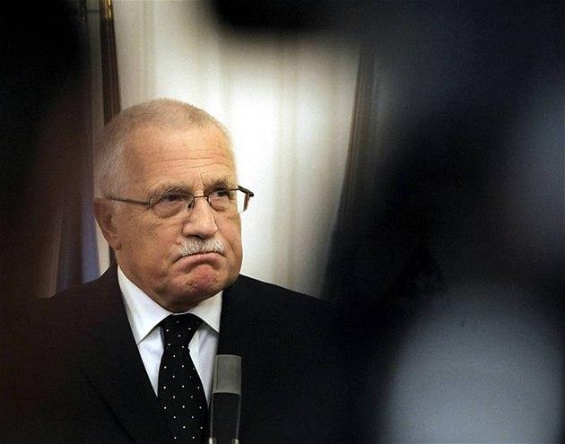Prezident Václav Klaus oznamuje, �e podepsal Lisabonskou smlouvu (3. listopadu 2009)