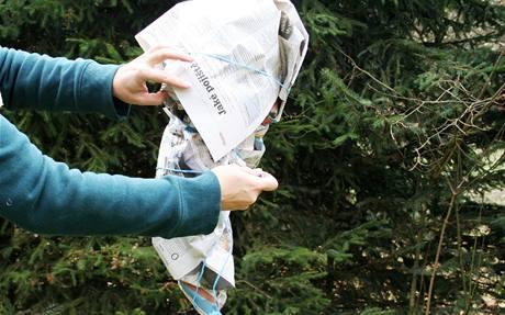 Korunu zabalte do novin
