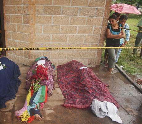 Hurikán Ida a následné povodně si na Salvadoru vyžádaly 124 obětí (9. 11. 2009)