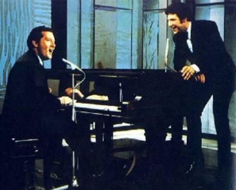 Jerry Lee Lewis (u klavíru) s Tomem Jonesem