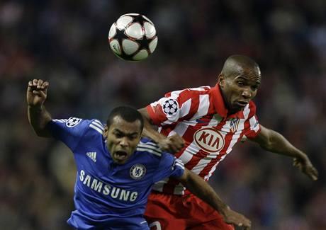 Atlético Madrid - Chelsea: Ashley Cole a Paulo Assuncao