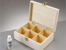 Krabičky na čaj nebo šperkovnice se dají koupit jako polotovar, zdobit je můžete třeba i ubrouskovou technikou.