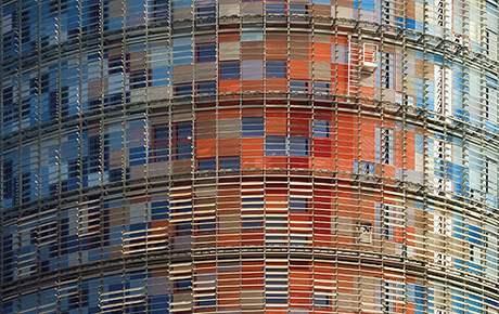 Torre Agbar v Barceloně, Jean Nouvel; 2000-2005