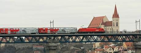 12. listopadu 2009 přijel první elektrický vlak z rakouského Retzu až do Znojma