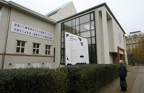 Dům umění města Brna se po rekonstrukci opět otevřel výstavou Formáty transformace