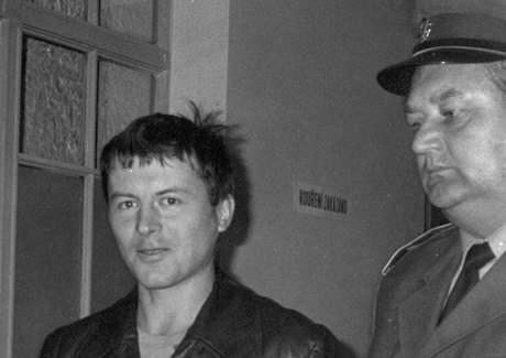 Slávek Popelka, vedený k soudu.